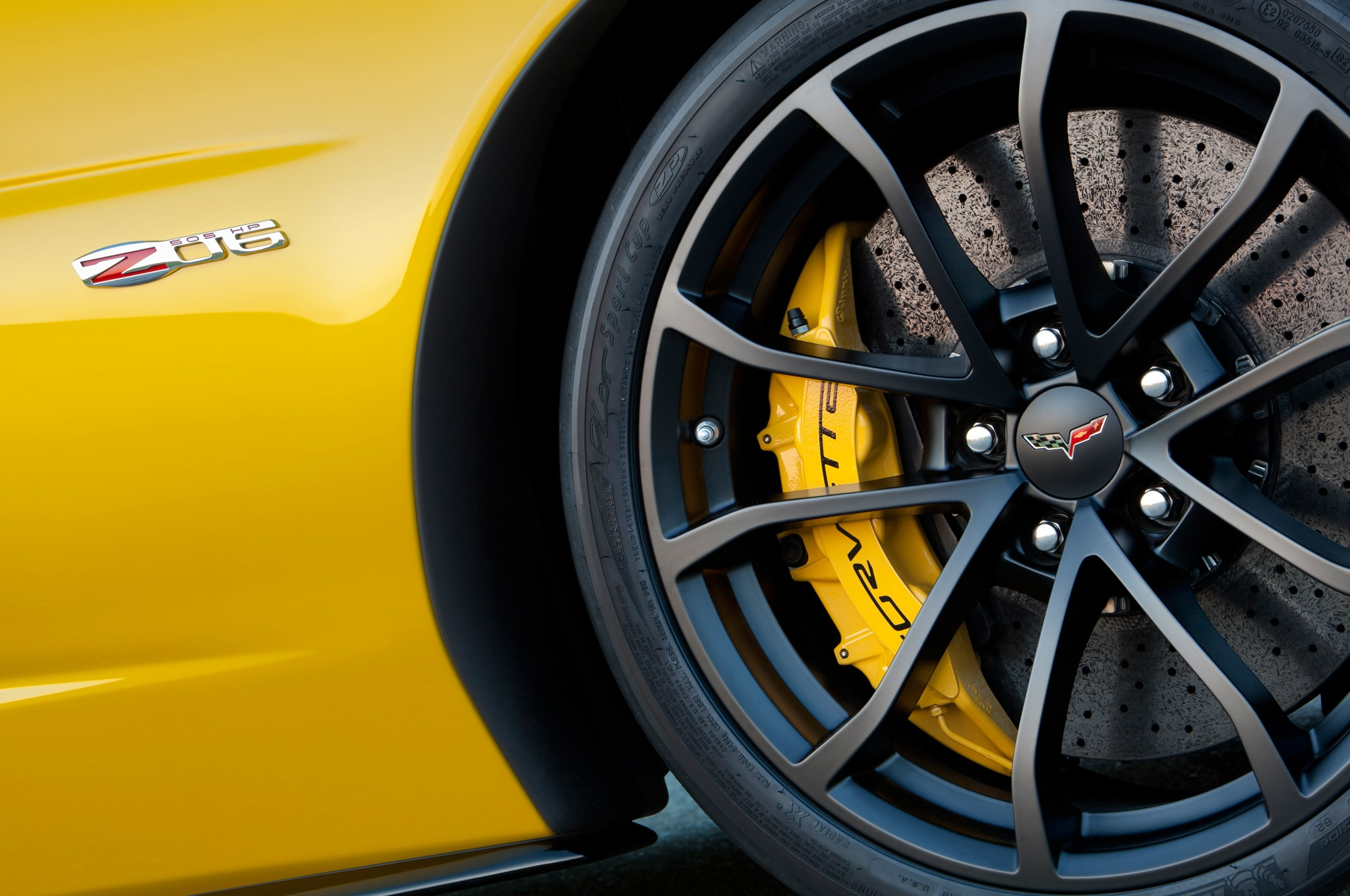 2013-Chevrolet-Corvette-Z06-wheel